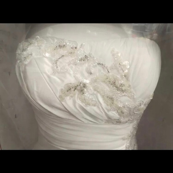 Maggie Sottero Dresses & Skirts - Maggie Sottero Wedding Gown, Size 6